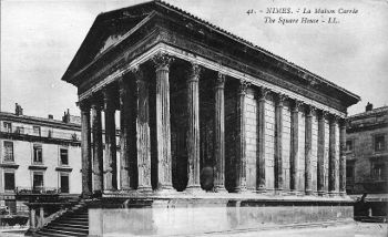 Postcard depicting the Roman Temple at Nîmes, France (Nemausus).  Now known as the Maison Carrée.